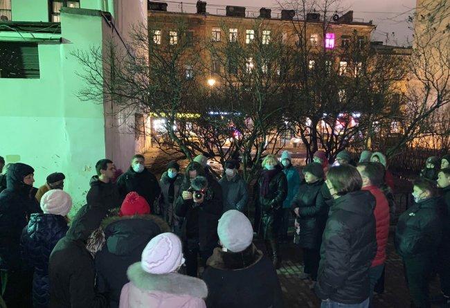 Январь 2021. Новые акции протеста в защиту сквера в Кузнечном переулке. Фото из соцсетей