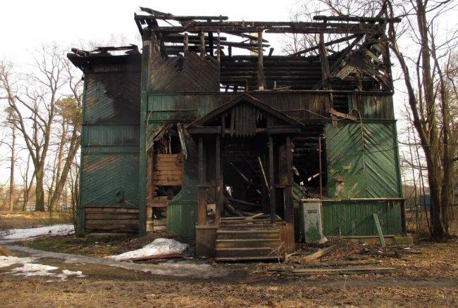 Дача после пожара. Фото: «Градозащитный Петербург»
