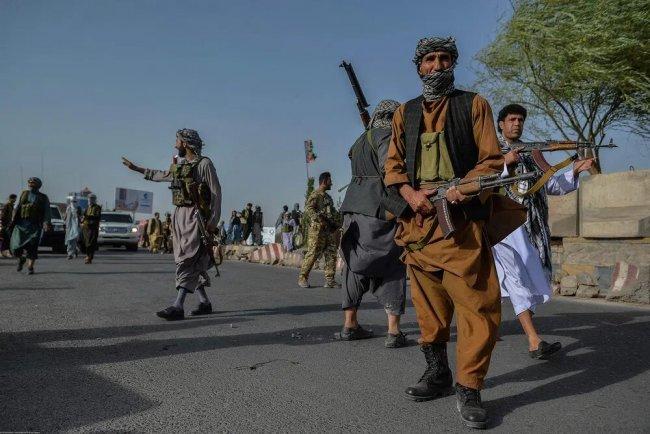 Блокпост афганской милиции в провинции Херат, 30 июля 2021 г. Фото: Hoshang Hashimi / AFP
