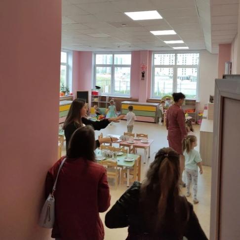 Комната группы, у которой нет своего туалета и кухни. Фото предоставлено родителями