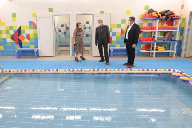 Александр Беглов проверяет новый детский садик в Шушарах. Кадры сайта администрации Петербурга